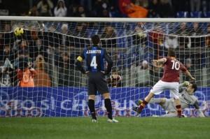 Gol dell'1-0 di Totti