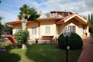 La villa confiscata dai Carabinieri
