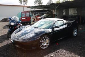 Una delle Ferrari confiscate dai Carabinieri